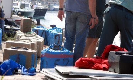 Dos guardias civiles ceutíes, detenidos tras un desembarco de hachís en Isla Cristina