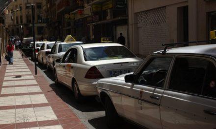 Catorce meses sin que el Ayuntamiento tramite la ayuda para taxis adaptados