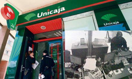 Registran la casa del teniente coronel que atracó un banco en Málaga
