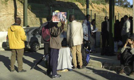 Encontrados dos subsaharianos en la carretera de Benzú
