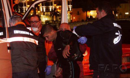 Rescatados otros tres inmigrantes tras conseguir la entrada a nado