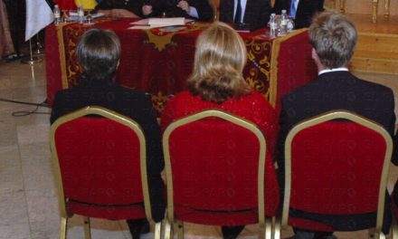 Chacón y Vivas destacan en la firma del convenio que hay que entenderse