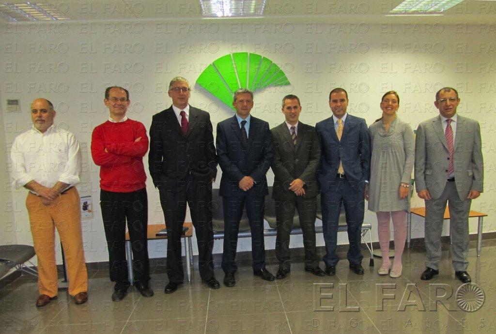 Unicaja celebra sus 15 a os en ceuta con una nueva for Unicaja oficinas
