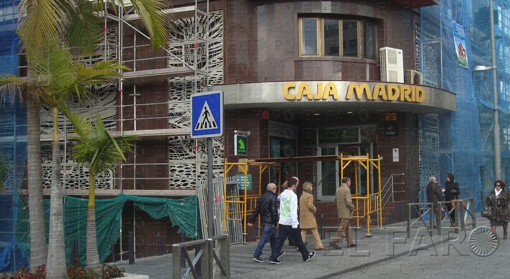La gente tira demasiado de las tarjetas de cr dito for Bankia oficinas zaragoza