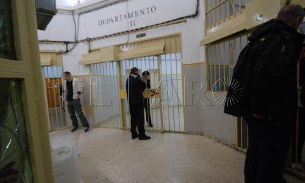 Un acusado de tráfico de hachís se mantiene en huelga de hambre en prisión