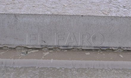 La Ciudad y Acuaes analizan los problemas técnicos de la planta de fangos