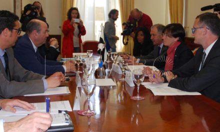 Ceuta y Melilla ponen hoy en marcha sus grupos de revisión del Estatuto