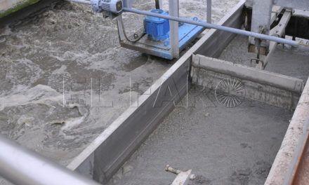 La Ciudad se verá obligada a pagar el traslado de fangos por culpa del retraso de Acuaes