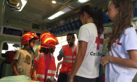 Familias adquieren nociones en primeros auxilios en los talleres de Cruz Roja