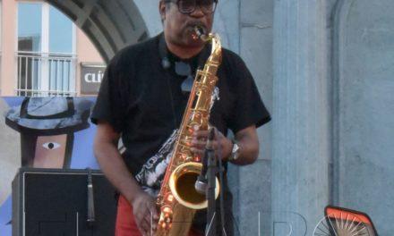 """""""El saxofón es un instrumento dulce que se mete en el cuerpo"""""""