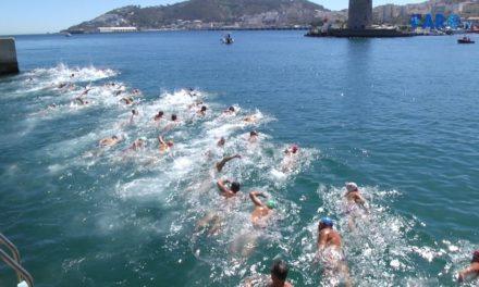 Juan Carlos Ríos repite victoria en la Travesía al Puerto
