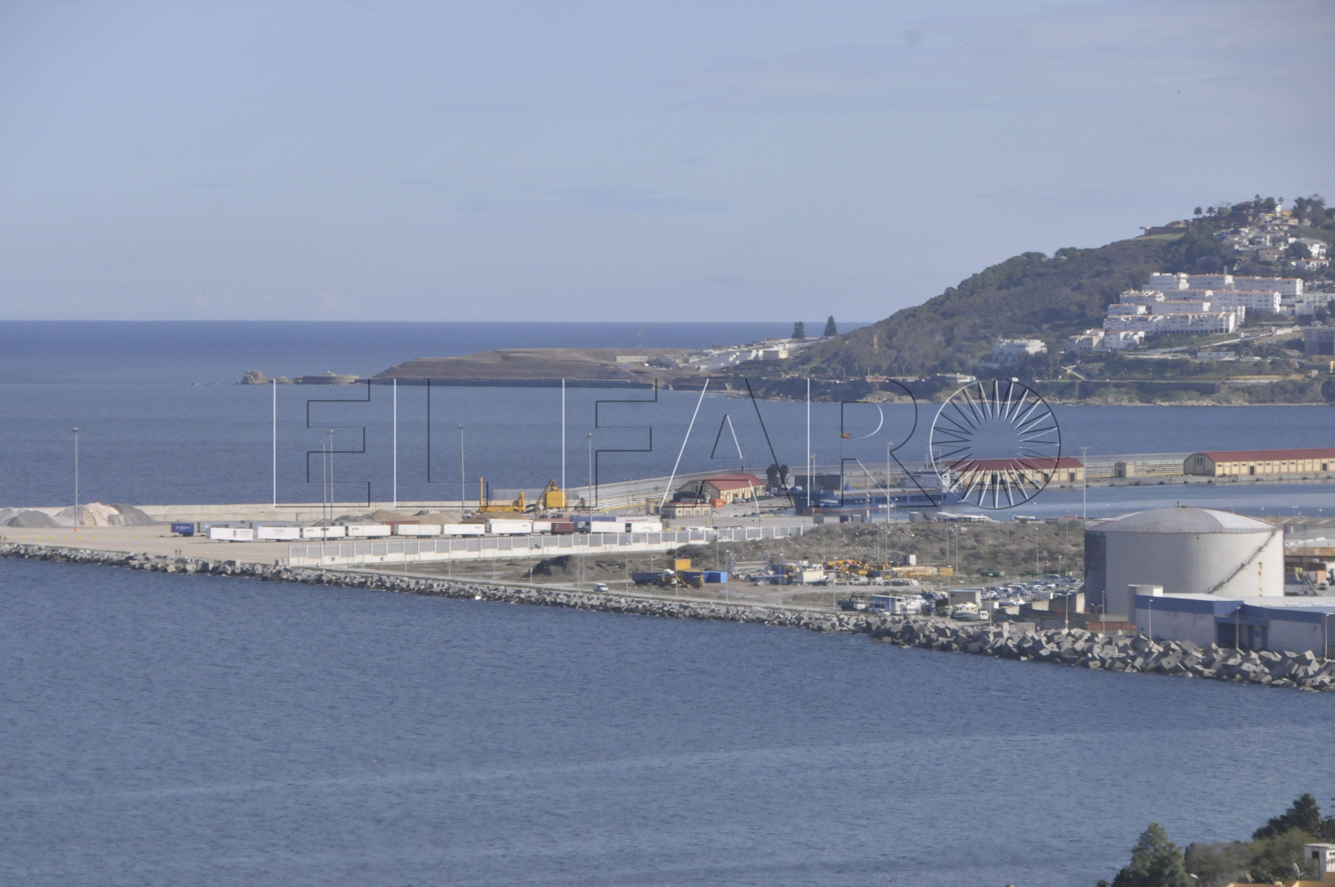 El Ministerio revisa la solicitud de Rusia para que su flota que se dirige a Siria haga escala en Ceuta