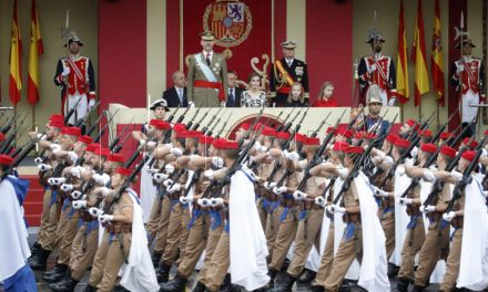 Regulares desfiló en la parada militar con motivo del Día de la Fiesta Nacional