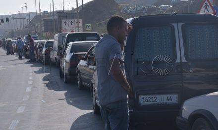 La Ciudad prepara una batería de medidas para paliar los atascos en la frontera
