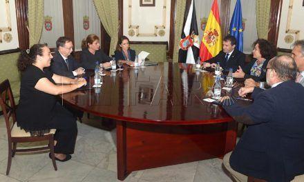 Aranda anuncia que Madrid dará más dinero a la UGR por Ceuta
