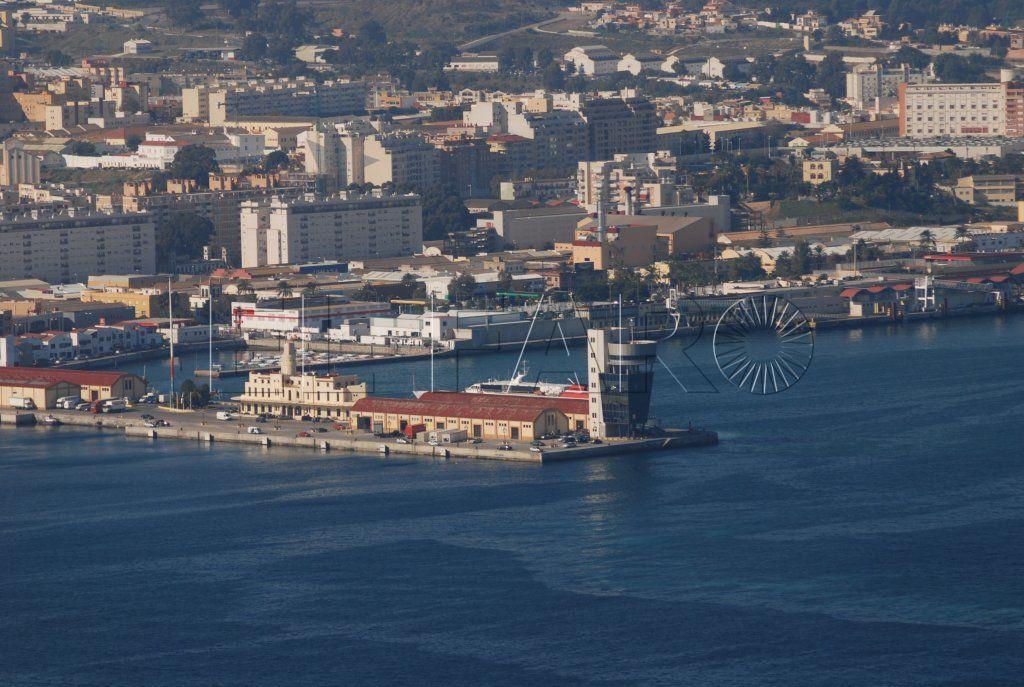 El PSOE pide a la Autoridad Portuaria que atienda las reivindicaciones de los feriantes