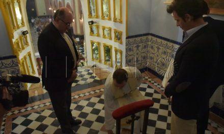 El tercer centenario de la primera misa en la iglesia de Los Remedios se celebra con el soterramiento de piedras de Sagrados Lugares