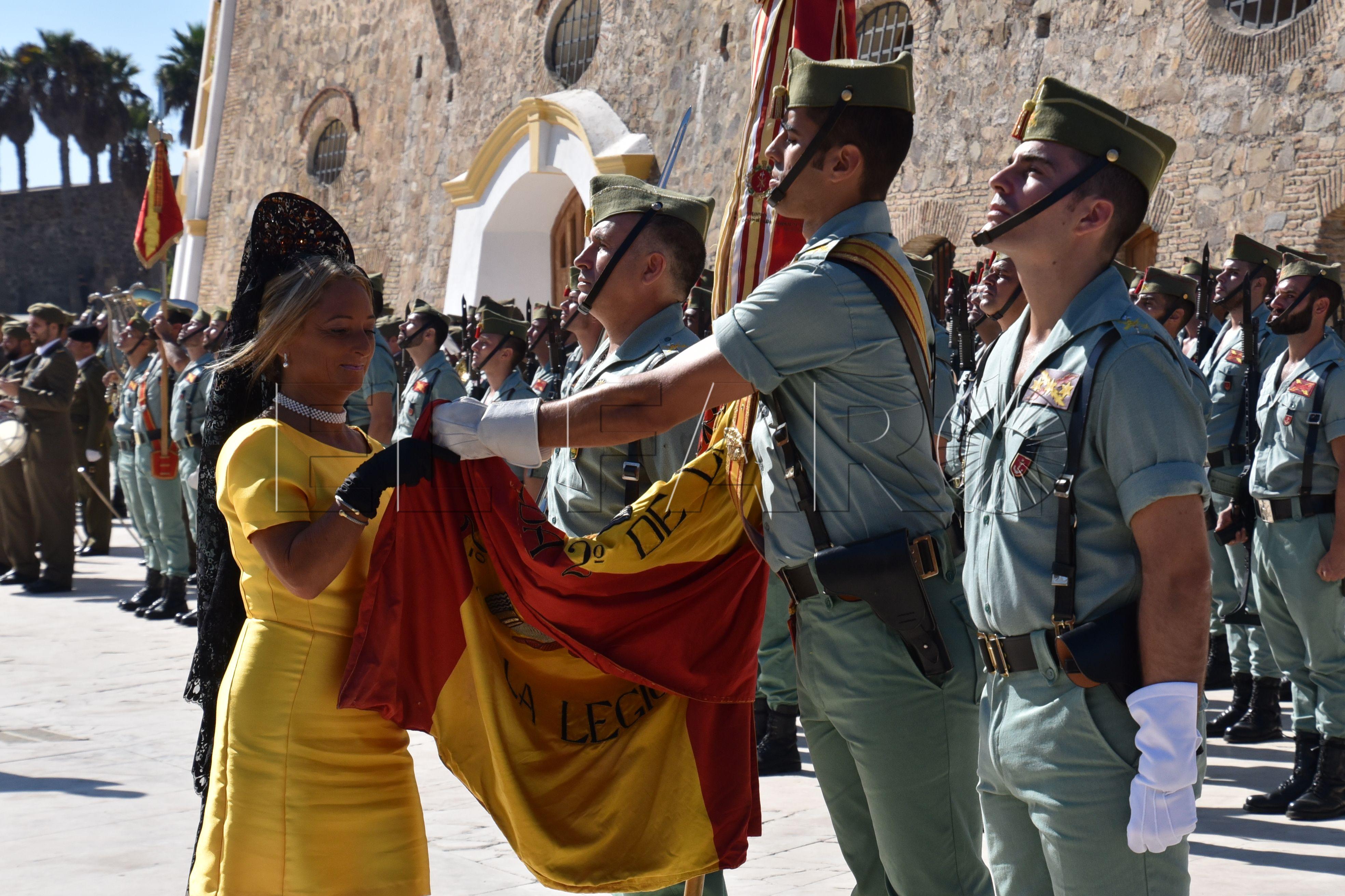 """Acto de renovación de la Bandera del Tercio """"Duque de Alba"""" 2º de la ..."""