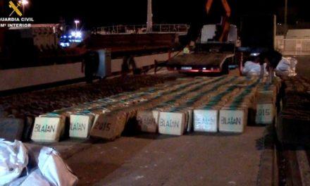 "La Guardia Civil interviene un buque en un ""golpe muy duro"" a una red terrorista"