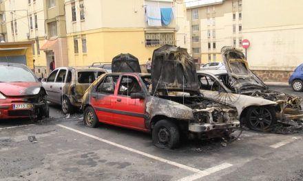 La quema de coches provoca el enfado en Rosales, Erquicia y Juan Carlos I