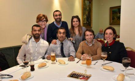 La Comunidad Hindú colabora con la AECC con una comida solidaria