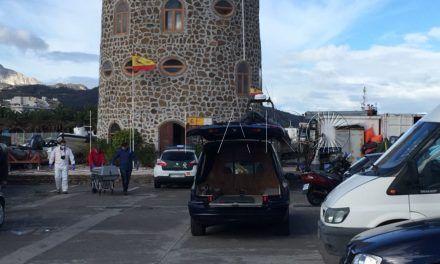 Los pescadores de la Almadraba hallan un cadáver frente al Chorrillo