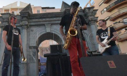 El saxofón de Tirso Roche regresa al Casino con la solista Patricia Pozo