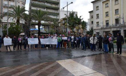 Tres argelinos del CETI se ponen en huelga de hambre al tener vetado el pase