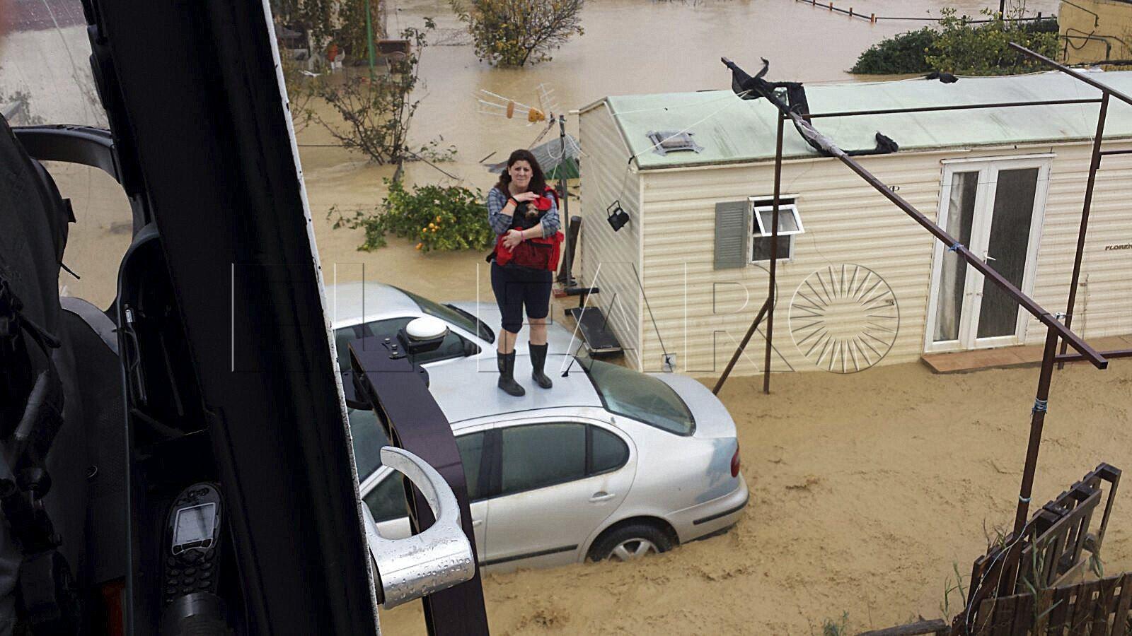 El temporal de lluvia causa dos muertos e inundaciones en la vecina provincia de Málaga y en el Campo de Gibraltar