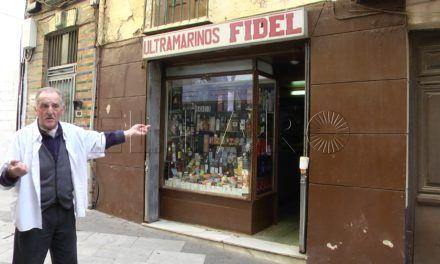 Atracan una tienda de ultramarinos en González de la Vega y se llevan 200 euros