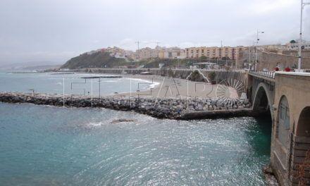El PSOE reprocha al Gobierno local el estado en el que aún se encuentra la playa del Chorrillo tras el temporal