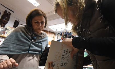 La escritora Isabel San Sebastián firmó ejemplares de su última novela