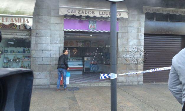 Bomberos interviene en una hamburguesería al lado del Mercado Central