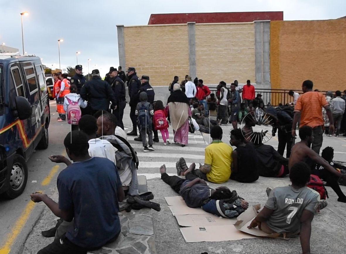Piden un año de prisión por atentado tras el salto a la valla del 9 de diciembre