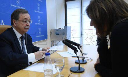 """El presidente Vivas reconoce en público que tiene un """"sueldo alto"""""""