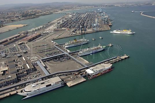 El puerto de algeciras bajar la tasa de pasaje para que no se encarezcan los billetes de barco - Puerto de algeciras hoy ...