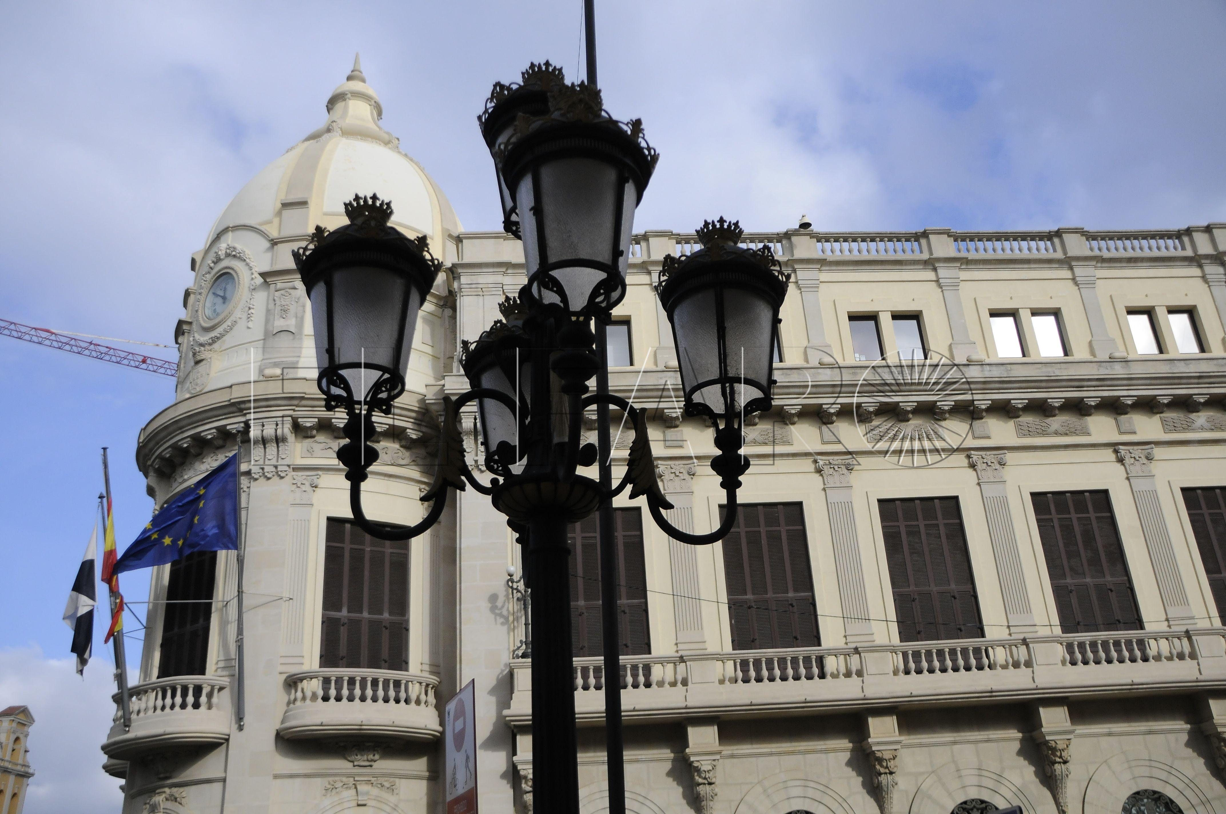 Visto para sentencia el recurso de UGT contra la Ciudad por la plaza de oficial mayor