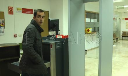 """El PSOE dice que la situación de Carracao es """"diferente"""" a la de Román, Mohamed y Alí porque él """"no ocupa ningún cargo"""""""