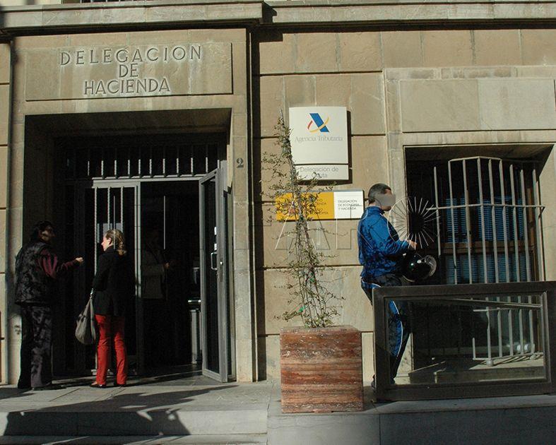 Una sentencia del TSJA avala la presunción de residencia de un policía frente a la tesis de Hacienda