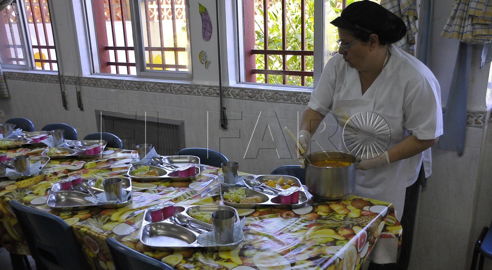 Los directores exigirán a Ciudad y MECD que regularice los comedores