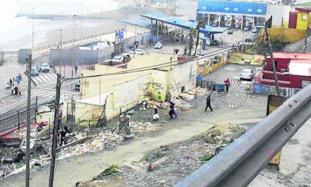 El Levante 'barre' el comercio fronterizo del Tarajal y deja la zona sin retenciones