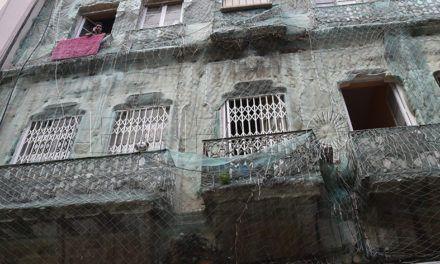 El viejo edificio de González de la Vega 4 continúa en manos del Gobierno local