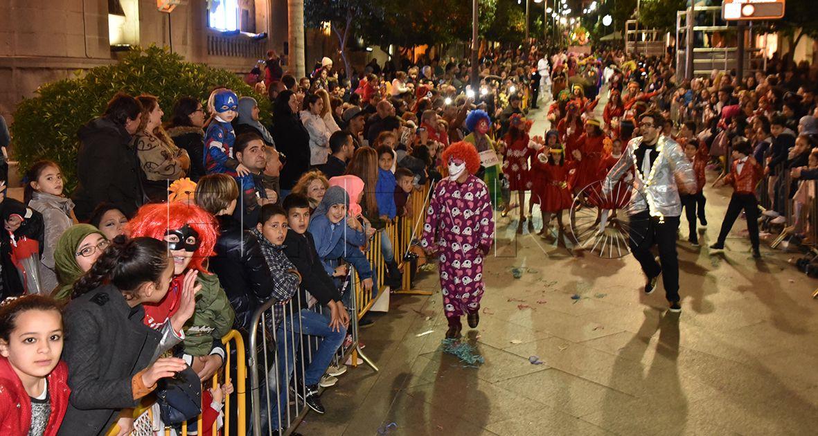 El Carnaval de Ceuta recupera tras 5 años la iluminación en la calle sin coste