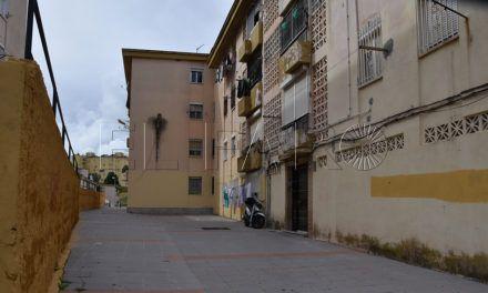 Un joven ingresa en el Hospital tras recibir una puñalada en Los Rosales