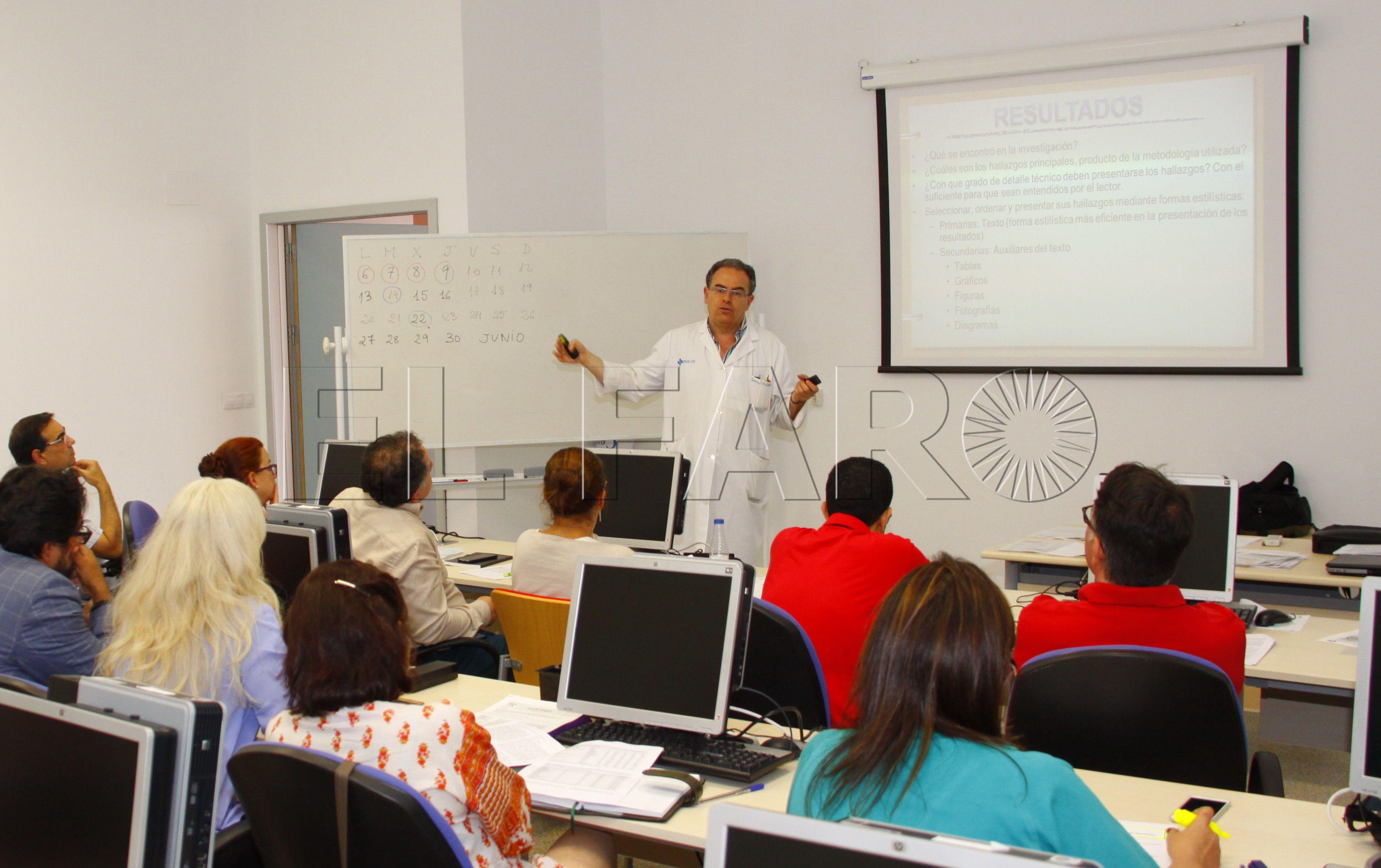 El doctor Jacobo Díaz contribuye al diagnóstico del cáncer de ovario