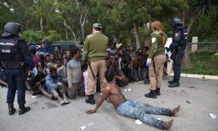 """Marruecos asegura que """"ha abortado"""" la entrada de 250 inmigrantes a Ceuta"""