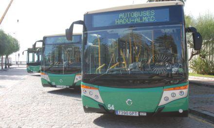 """El comité de empresa de los autobuses """"baraja convocar parones"""" en el servicio"""
