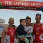 Los triatletas superan la exigencia