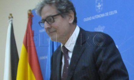 """Carreira defiende la refinanciación de 2014 por """"necesaria y oportuna"""""""