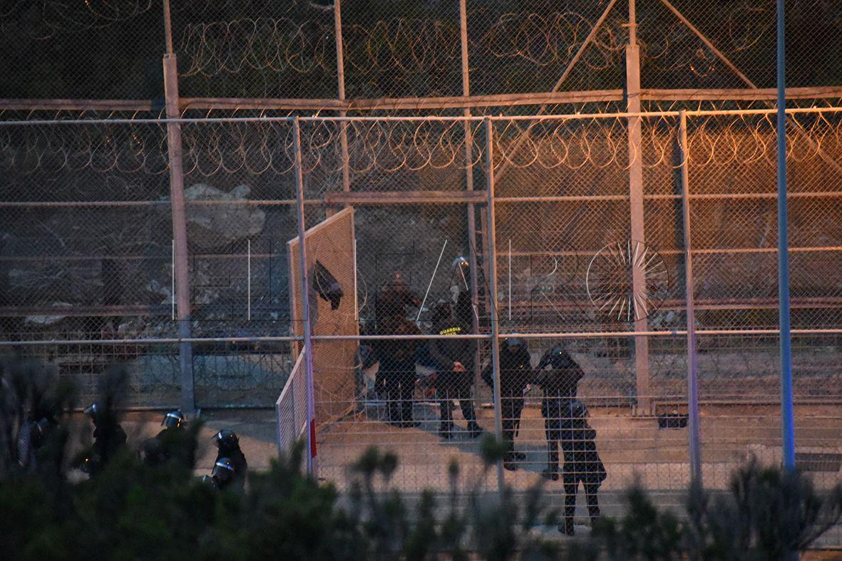 Guardia Civil y Marruecos frenan otro acercamiento de 70 inmigrantes